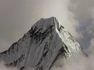 Three of the world's top climbers feared dead after avalanche