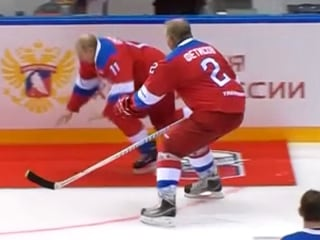 Putin hits the red carpet — literally