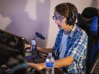 Leveling up: Esports scholarships offer gamers a new path to college