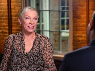 Annie Lennox opens up about Eurythmics, fame, feminism & 'letting go'