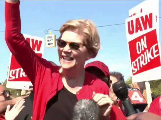 Elizabeth Warren comes out on top in critical new Iowa poll