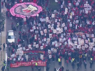 Classes canceled in Chicago as thousands of teachers go on strike