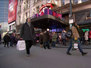 Last minute shoppers rush to stores for Super Saturday deals