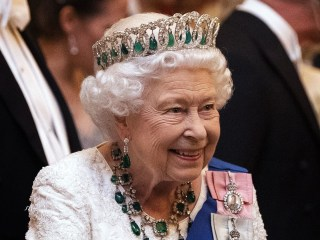 Queen Elizabeth looking to hire social media manager via LinkedIn