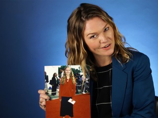 Julia Stiles can't believe how 'into chokers' she was in the early 2000s