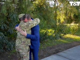 Soldier makes surprise appearance at friend's wedding (as best man)