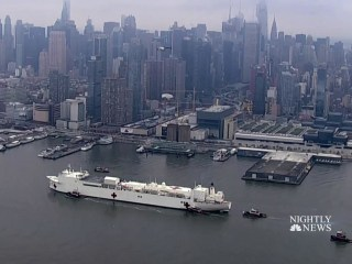 U.S. Navy ship arrives in New York as state's coronavirus death toll surpasses 1,000