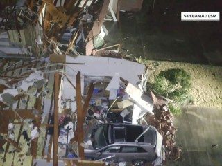 Destructive tornado rips across Alabama