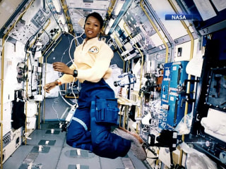 Two generations of science pioneers inspire future astronauts