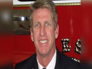 Firefighter Who Fell Into House Hailed as Hero