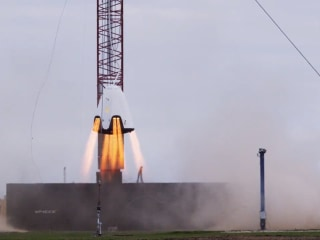 Watch SpaceX Dragon2 Hover Test