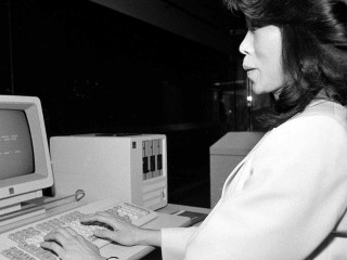 From Taxes to Dating, How Early Adopters Used the Computer