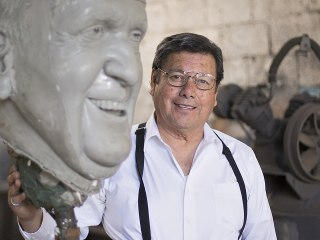 A Smiling Pope Francis Will 'Live' in Juarez Through This Sculpture