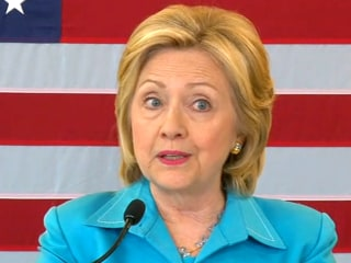 Clinton Slams Huckabee's 'Offensive' Comments on Iran Deal