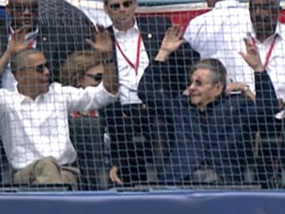 Obama, Castro Do 'the Wave' at Baseball Game