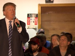 Trump Calls Bush a 'Total Stiff' in New Hampshire
