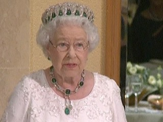 Queen Elizabeth Jokes About Her Age