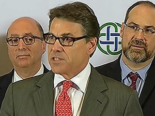 Perry: Ebola Patient had Contact With 5 Students