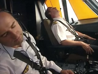 Video Shows How to Access Airbus Cockpit in Emergency