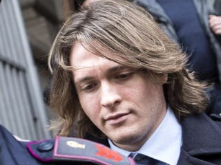 Amanda Knox's Ex-Boyfriend Leaves Court
