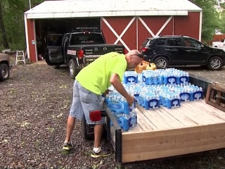 Arkansas Tornado Victims Come Together During Crisis