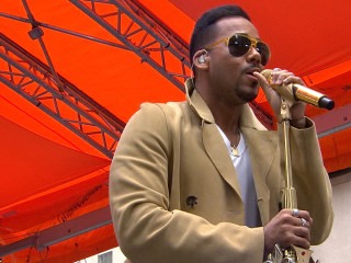 Crowds Welcome 'King of Bachata' Romeo Santos At Today Show Concert