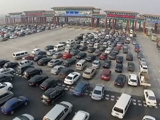 China's Expressways Snarl-Up in the Great Back-to-Work