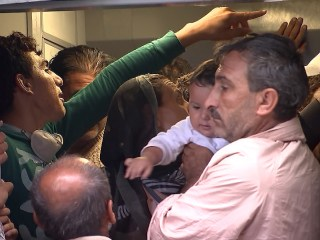 NBC's Claudio Lavanga Witnesses Scramble to Board Budapest Train