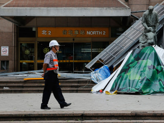 Typhoon Dujuan Strikes Mainland China After Killing Two in Taiwan