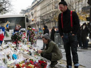 Eagles of Death Metal Clearly Moved by Bataclan Memorial Visit