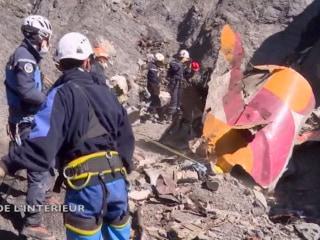 Investigators Scour Germanwings Crash Site for Second Black Box