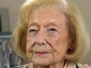 Auschwitz Survivor Gena Turgel Walked Out of Gas Chamber Alive