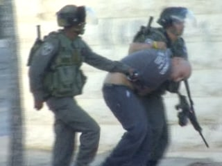 Clashes Intensify Between Palestinians and Israeli Police