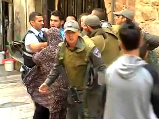 Israeli Police Scuffle With Palestinians Near Western Wall Blessing