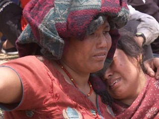 Nepal: Tears of Grief Accompany Funereal Fires