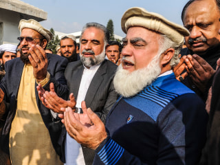 Pakistani Lawmakers March Against Latest Hebdo Images
