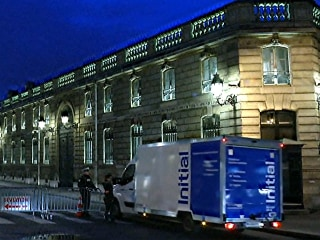 Security Measures Outside French President's Residence