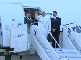 Pope Francis Flies to Cuba to Meet Patriarch