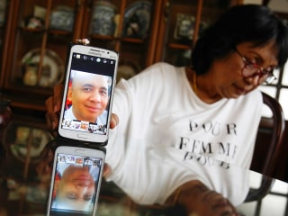 MH370 Pilot Is a Hero, His Grieving Sister Says