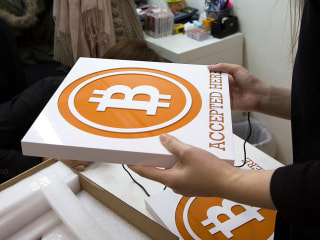 Federal Agents Accused of Stealing Bitcoins During Silk Road Investigation