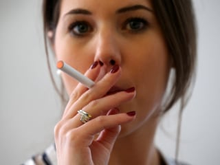 E-cig Use Spikes as Traditional Smoking Falls Among U.S. Youth