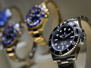 Luxury Watches Join the Rental-Rich Trend