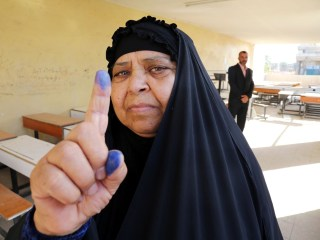Iraqis Vote in Critical Elections Amid Upsurge in Violence