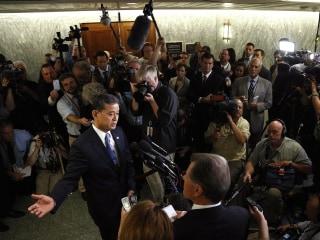 Jim Miklaszewski Confronts VA Chief Eric Shinseki