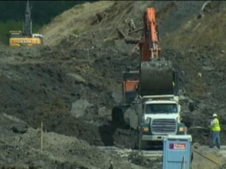 Washington Mudslide Workers Walk Off Job
