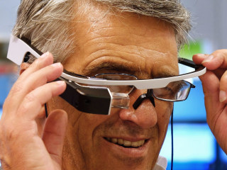 Startup Launches 'First Wearable Health Record' for Google Glass