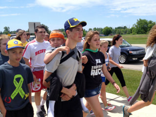 6 Speed Reads: Teen Carries Younger Brother 40 Miles
