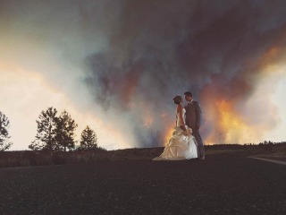 5 Speed Reads: Couple Marries Near Wildfire