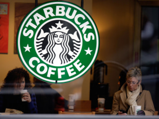 Starbucks Stores Give Out Free Drinks During Widespread Register Outage