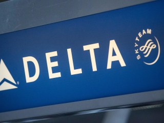 Delta urges workers to pay for video games, not union dues
